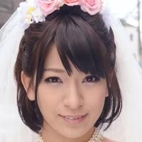 AV女優・成宮ルリ (なるみやるり)