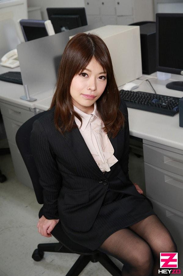 AV女優・菅野みらい (かんのみらい)